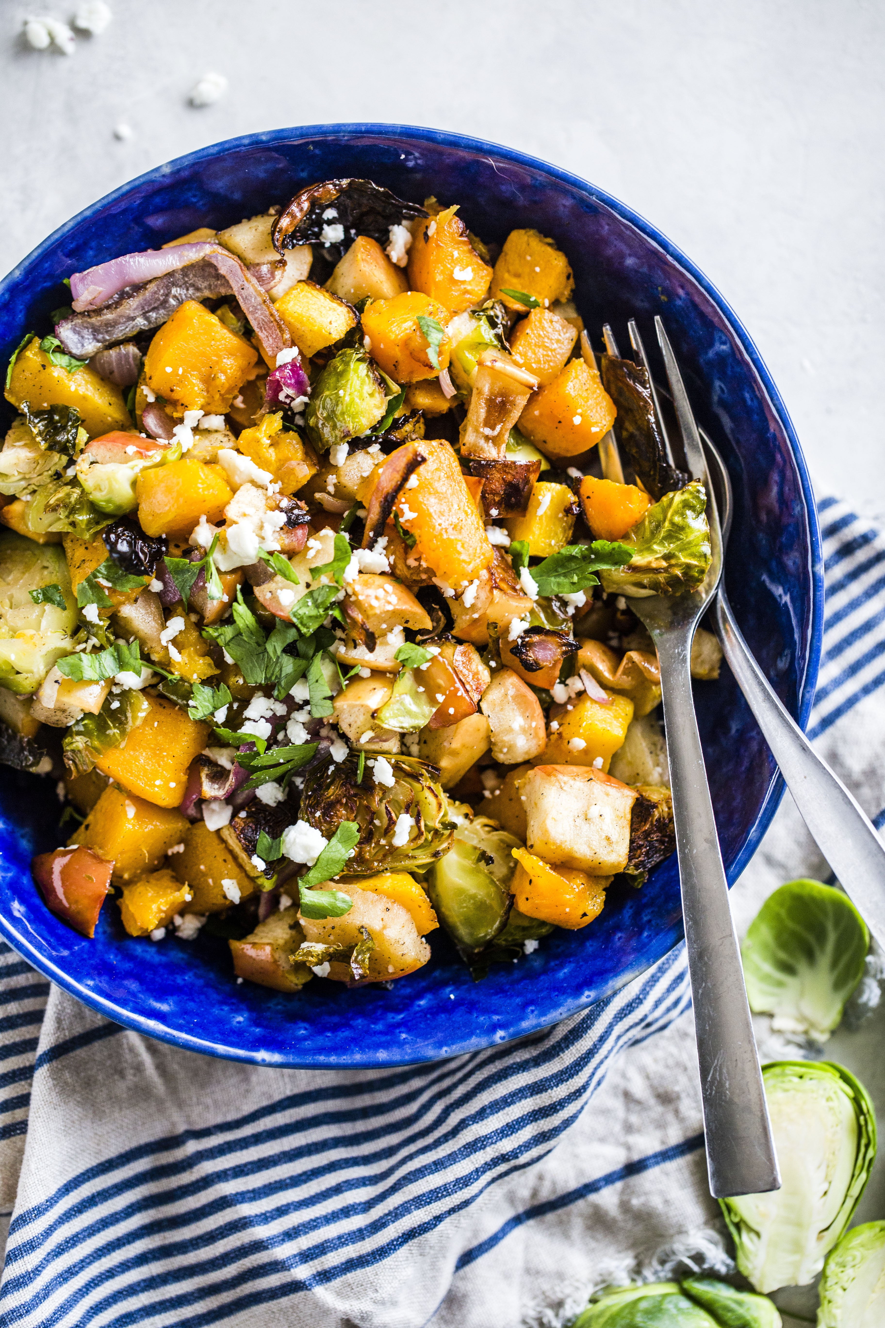 warm autumn roasted vegetable salad I howsweeteats.com