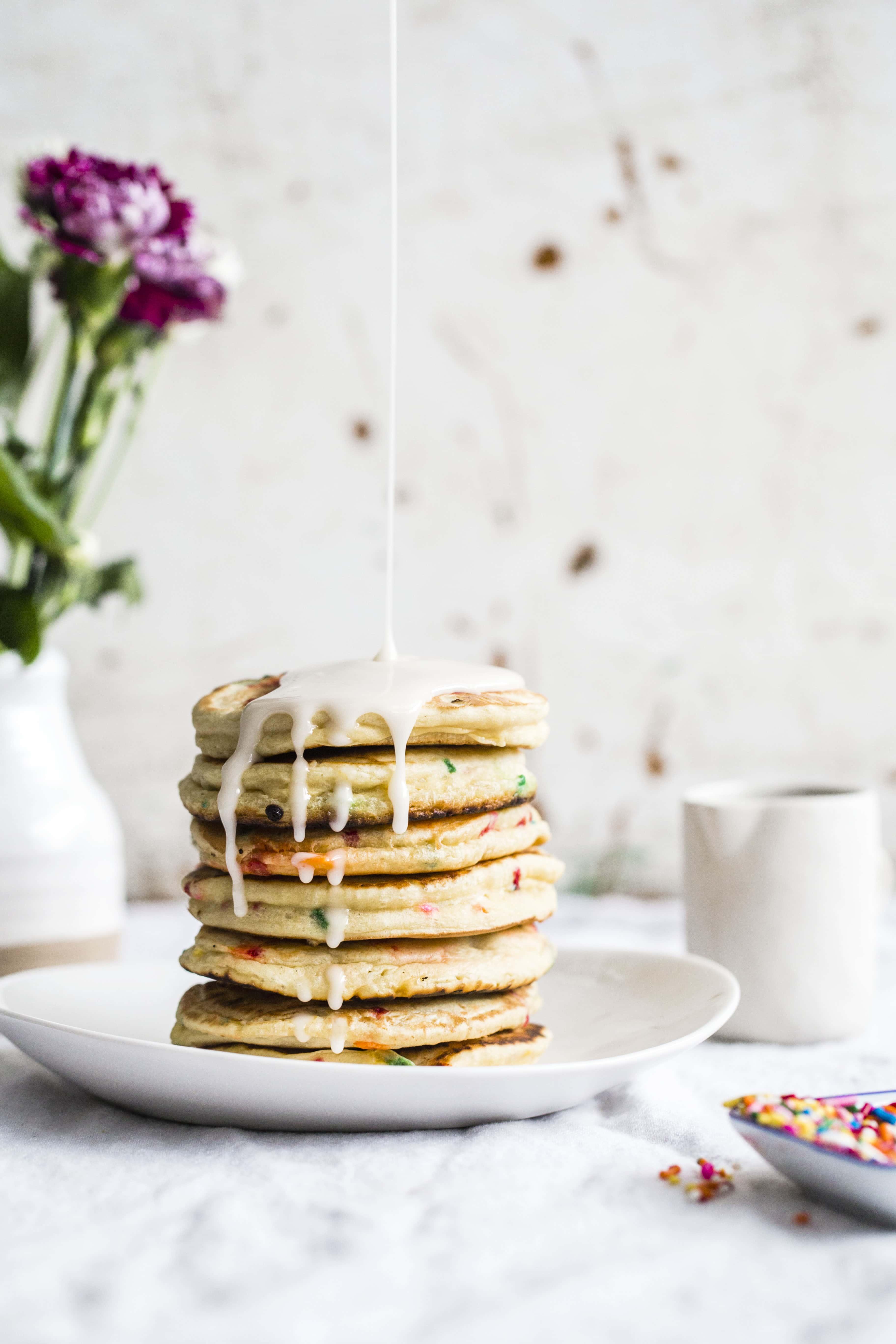 cake batter pancakes I howsweeteats.com #cakebatter #pancakes #breakfast #sprinkles #funfetti