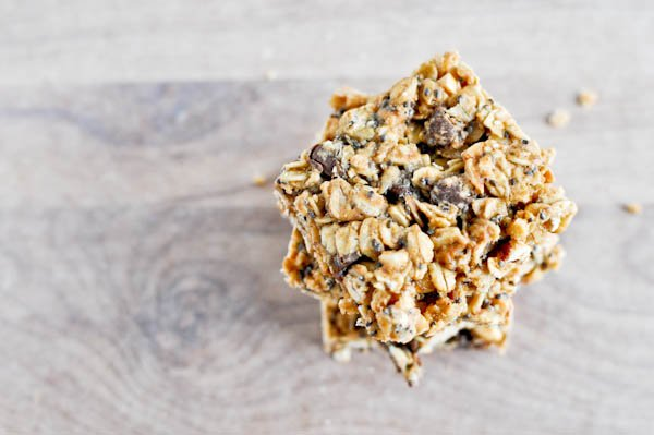Easy and Healthy Peanut Butter Granola Bars | How Sweet It Is