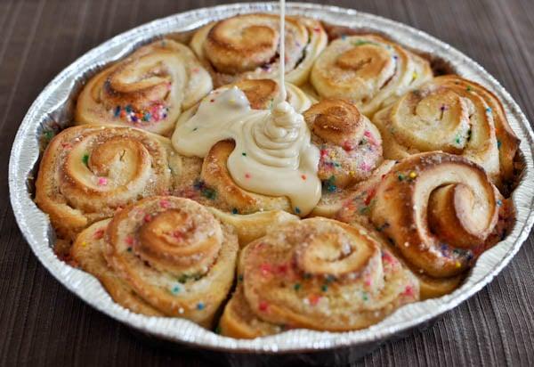 Cake Batter Cinnamon Rolls I howsweeteats.com