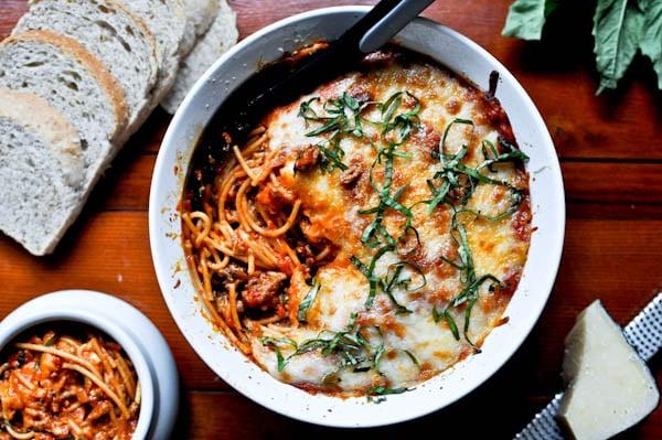 Baked Parmesan Spaghetti I howsweeteats.com