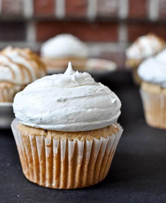 Fluffernutter Cupcakes I howsweeteats.com