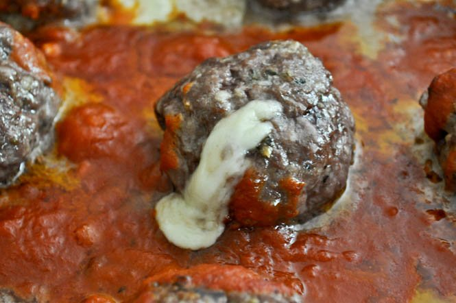 Cheesy Stuffed Meatball Sliders I howsweeteats.com