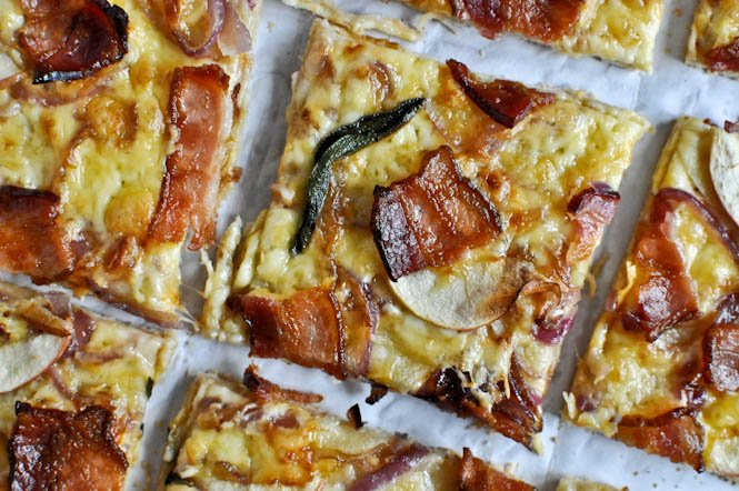 Whole Wheat Autumn Apple Pizza I howsweeteats.com
