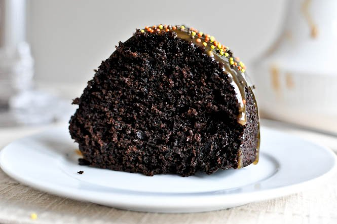 Spiced Double Chocolate Chip Cake I howsweeteats.com
