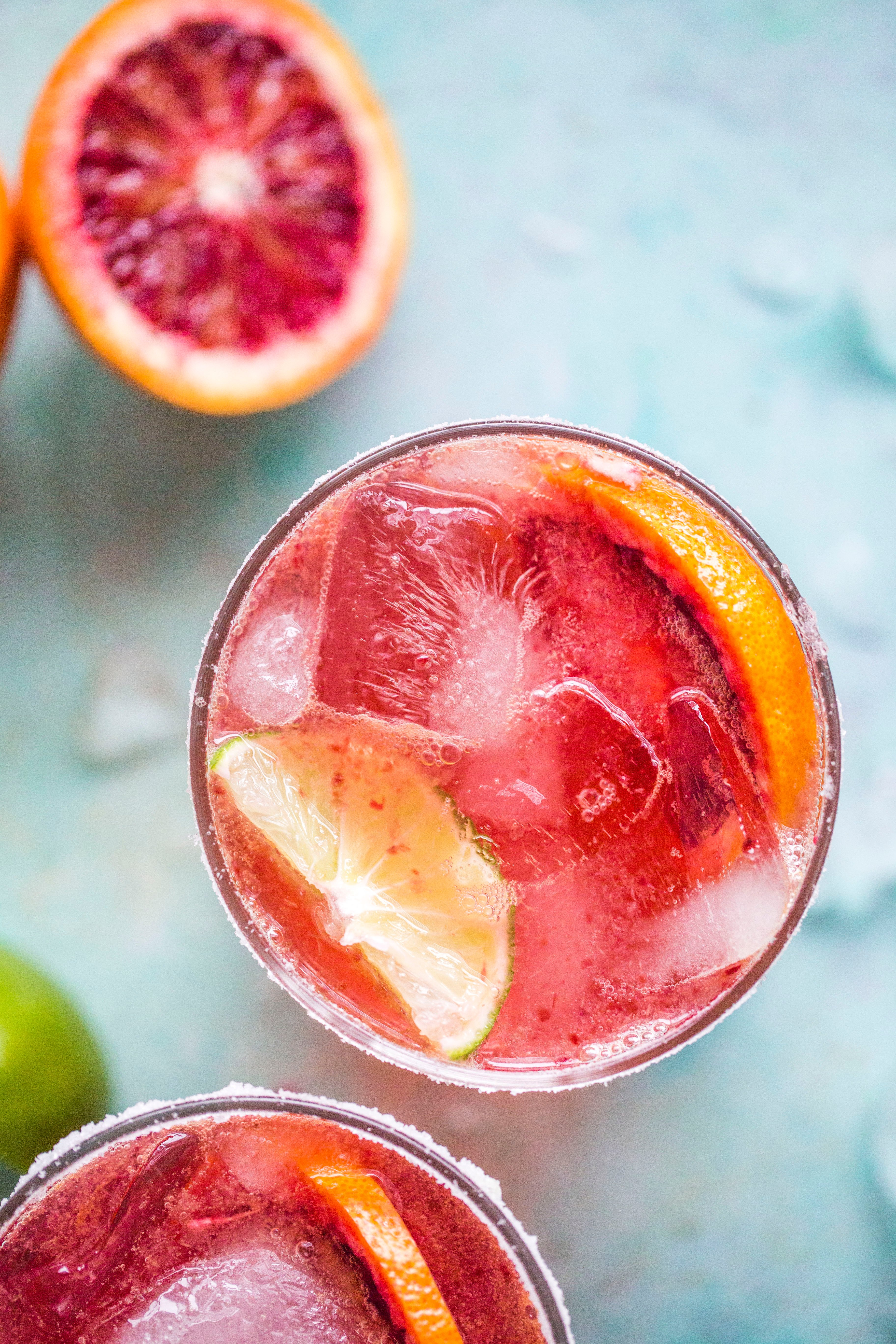 blood orange margarita I howsweeteats.com #bloodorange #margarita #cocktails #orange #tequila