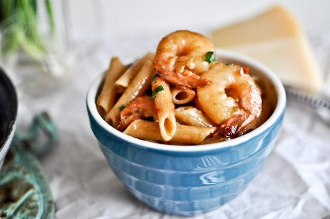 Spicy Parmesan Shrimp Skillet I howsweeteats.com
