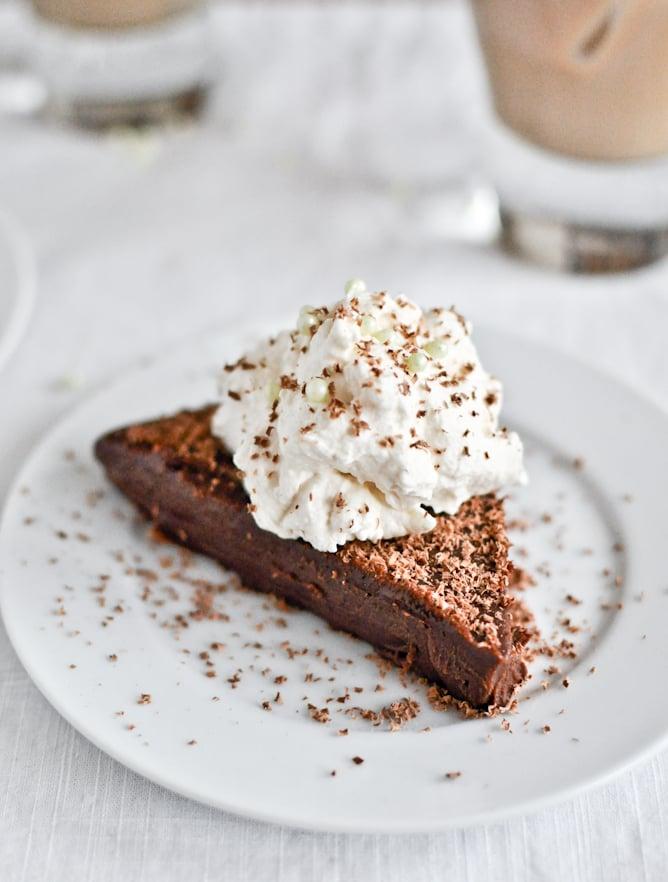 No Bake Milk Chocolate Bailey's Truffle Cake I howsweeteats.com