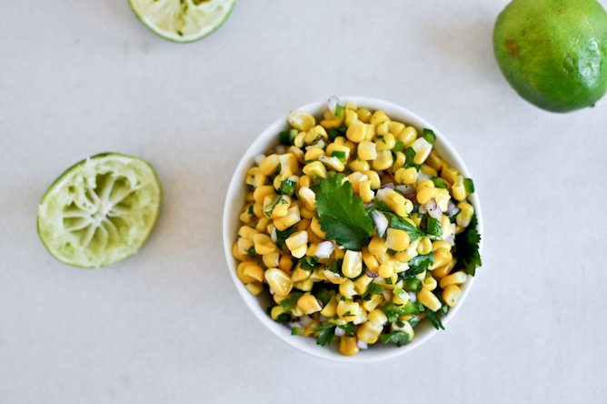 Just Like Chipotle's Corn Salsa I howsweeteats.com