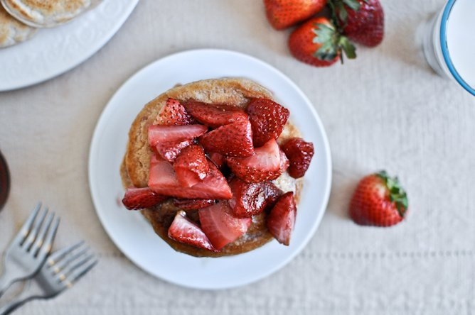Roasted Strawberry Brown Butter Pancakes I howsweeteats.com