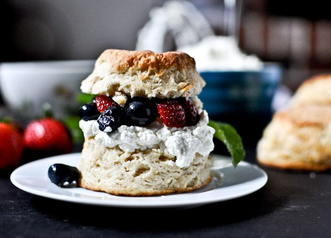 Amaretto Soaked Strawberry + Blueberry Shortcake Sliders ...