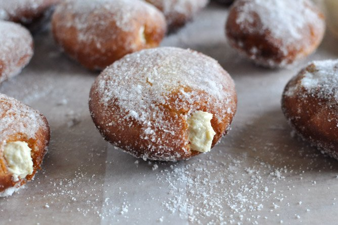 Peanut Butter Cream Filled Donuts I howsweeteats.com