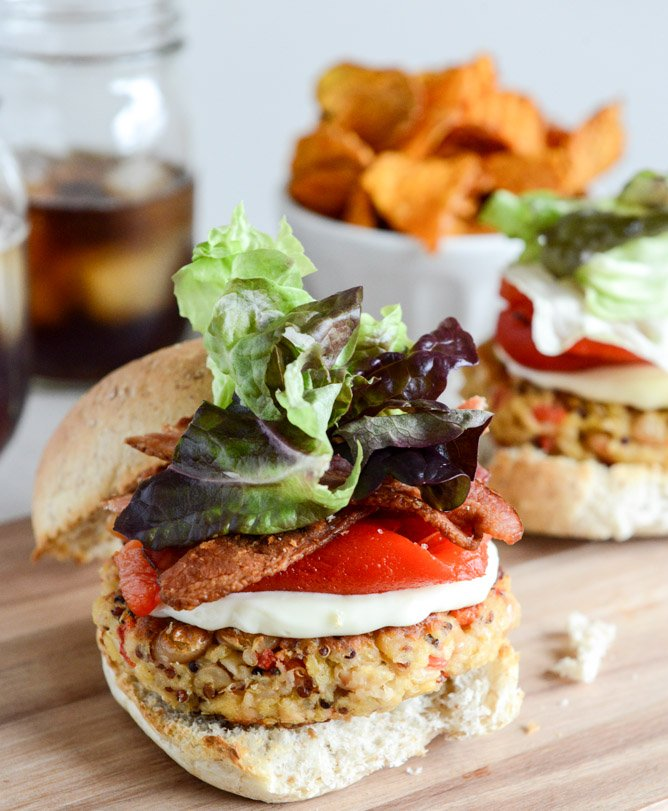 Roasted Red Pepper Quinoa + White Bean Burgers I howsweeteats.com