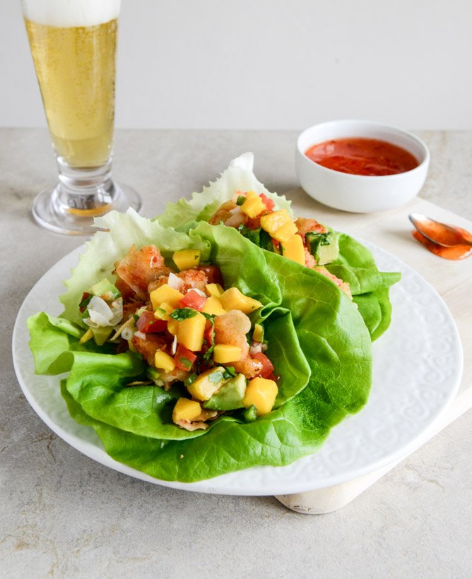 Beer Battered Shrimp Lettuce Wraps with Mango Avocado Salsa I howsweeteats.com