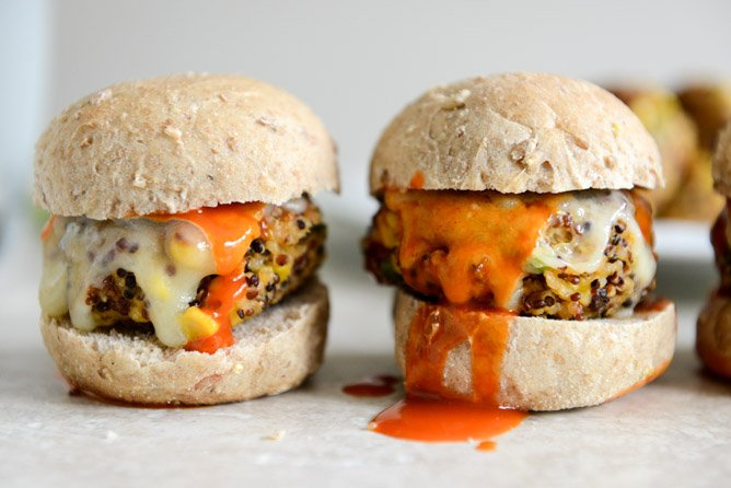 Crispy Buffalo Style Quinoa Sliders with Sweet Corn + Scallions I howsweeteats.com