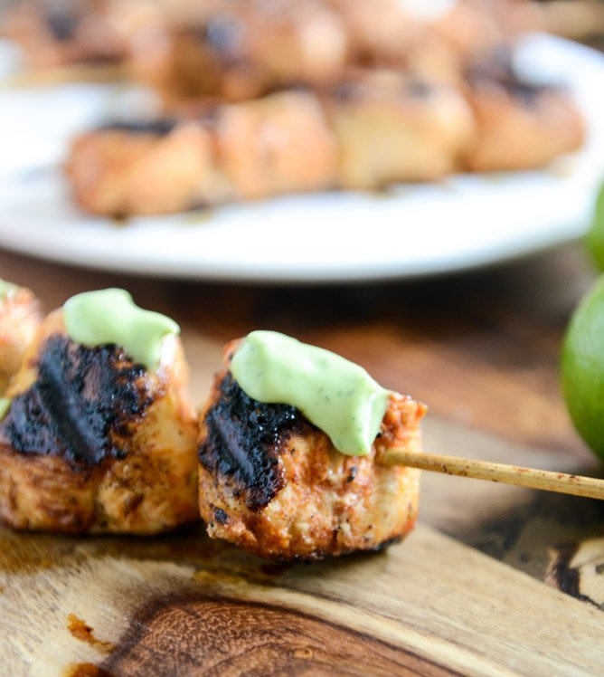 Chipotle Lime Grilled Chicken Skewers with Avocado Ranch I howsweeteats.com