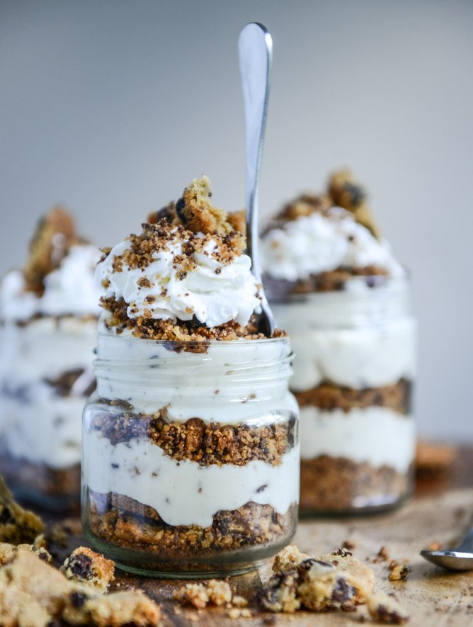 Easy Chocolate Chip Cookie Cheesecake Parfaits I howsweeteats.com