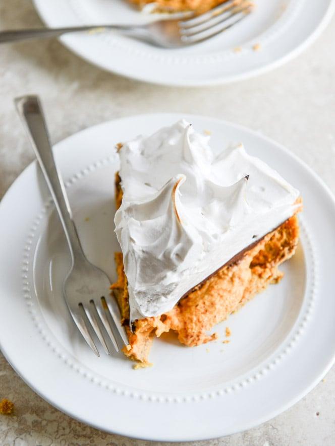 pumpkin s'mores tart I howsweeteats.com