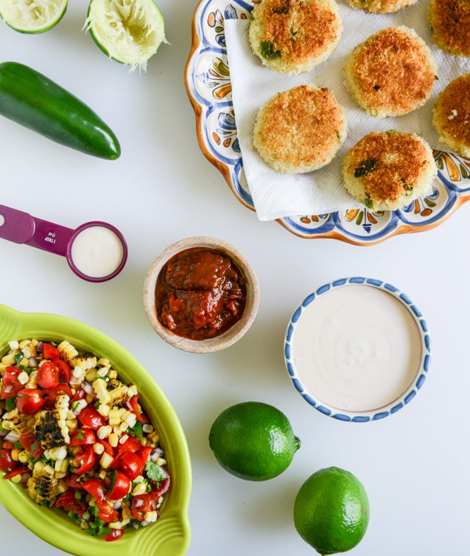 Mini Roasted Poblano Risotto Cakes with Grilled Corn Salsa I howsweeteats.com