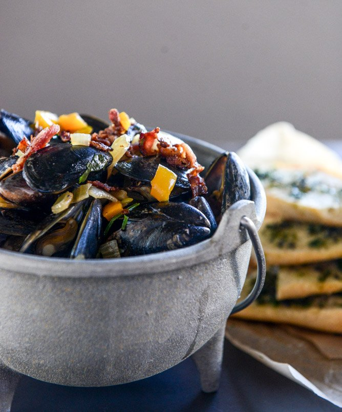 Honey Beer Steamed Mussels with Herb Butter Baguettes | How Sweet It ...