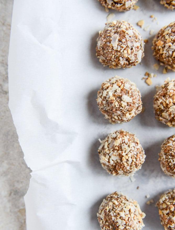 no bake almond joy snack bites I howsweeteats.com