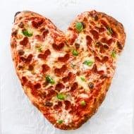 heart pizza I howsweeteats.com-5