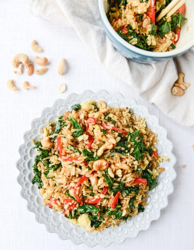 garlic kale and cashew fried rice I howsweeteats.com