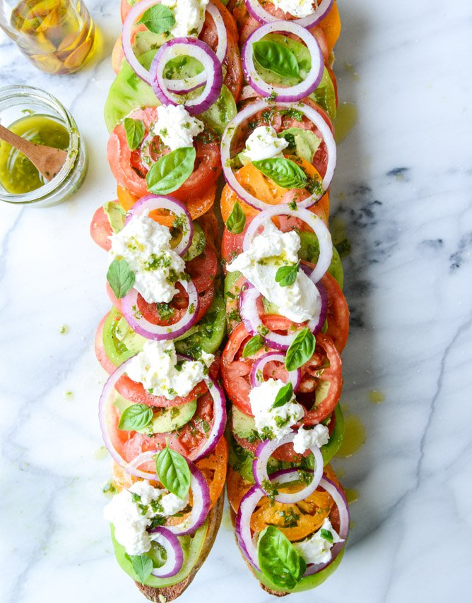 heirloom tomato, avocado and burrata grilled garlic toast I howsweeteats.com