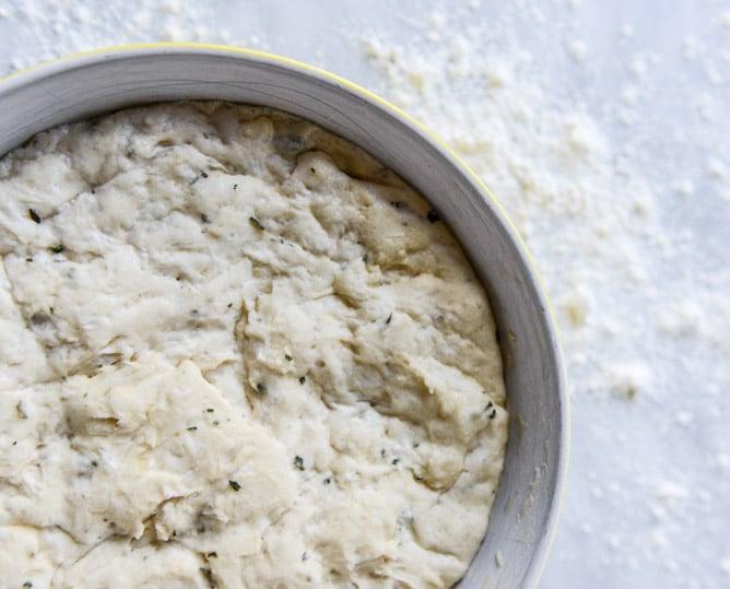 brown butter herb garlic knots I howsweeteats.com