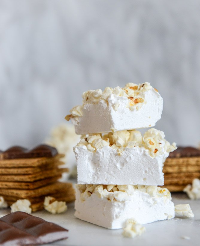 buttered popcorn marshmallow s'mores I howsweeteats.com