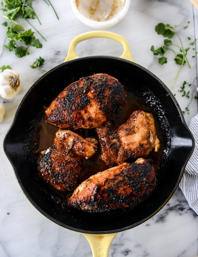 easy honey dijon skillet chicken I howsweeteats.com