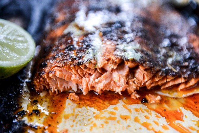 30 minute cajun salmon with salted lime butter I howsweeteats.com