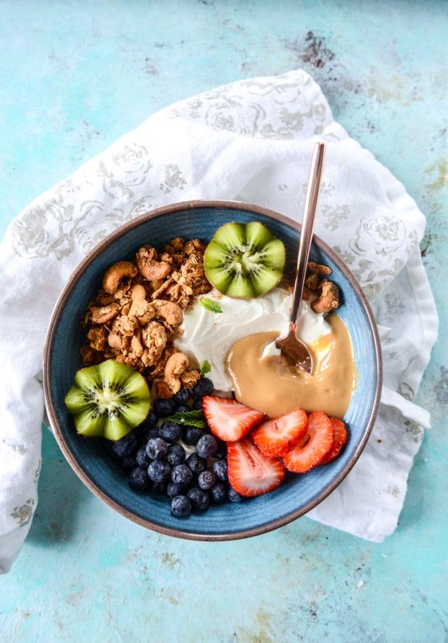 cashew butter granola I howsweeteats.com