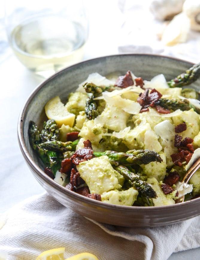 homemade ricotta gnocchi with asparagus pesto I howsweeteats.com