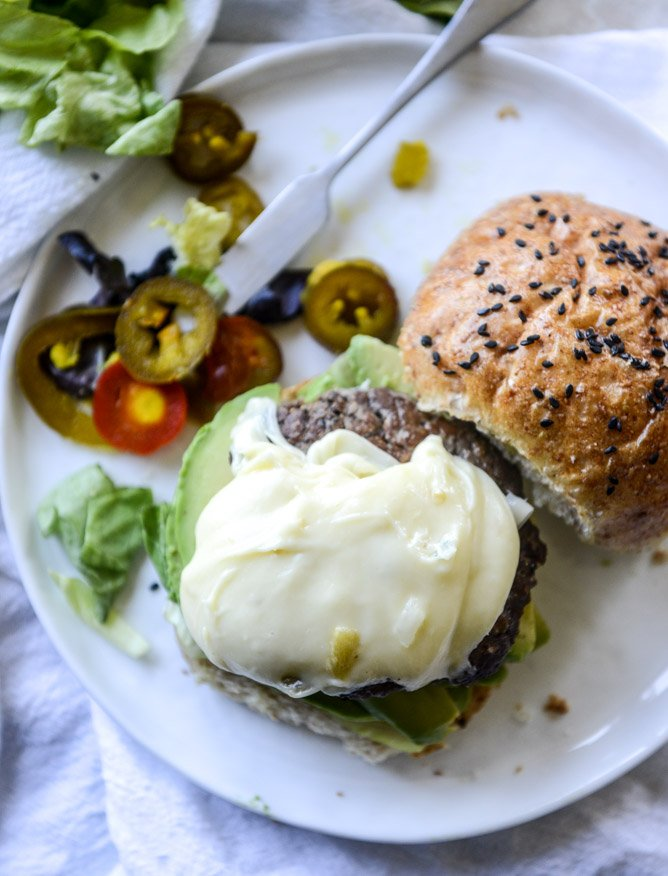 how to make queso cheese burgers I howsweeteats.com
