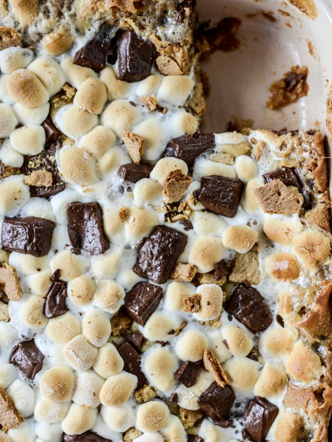 chocolate chip s'mores barsI howsweeteats.com