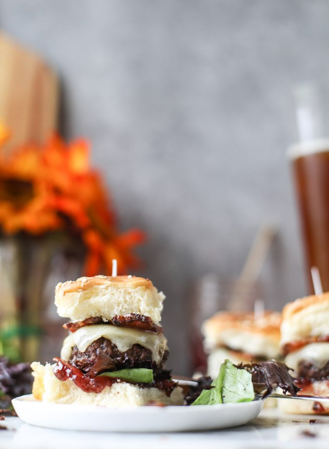 espresso brunch sliders with vanilla bacon I howsweeteats.com
