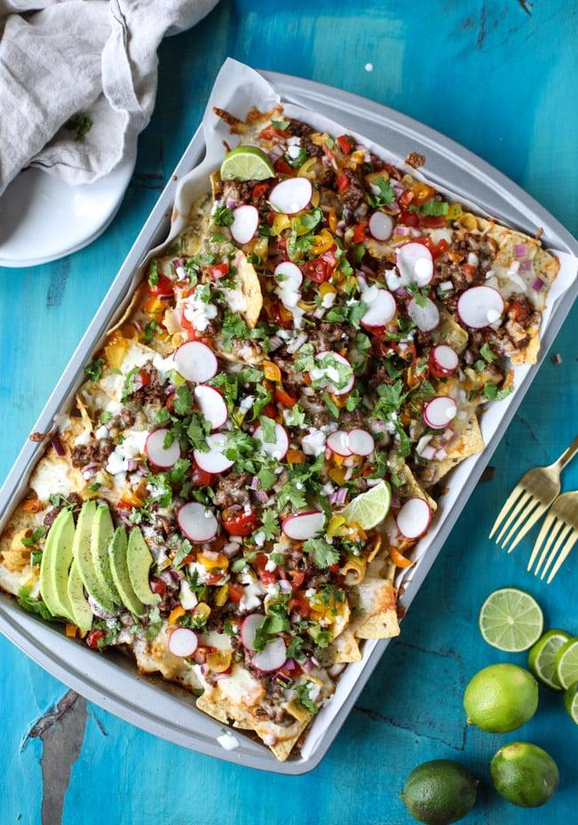 sheet pan green chile nachos I howsweeteats.com