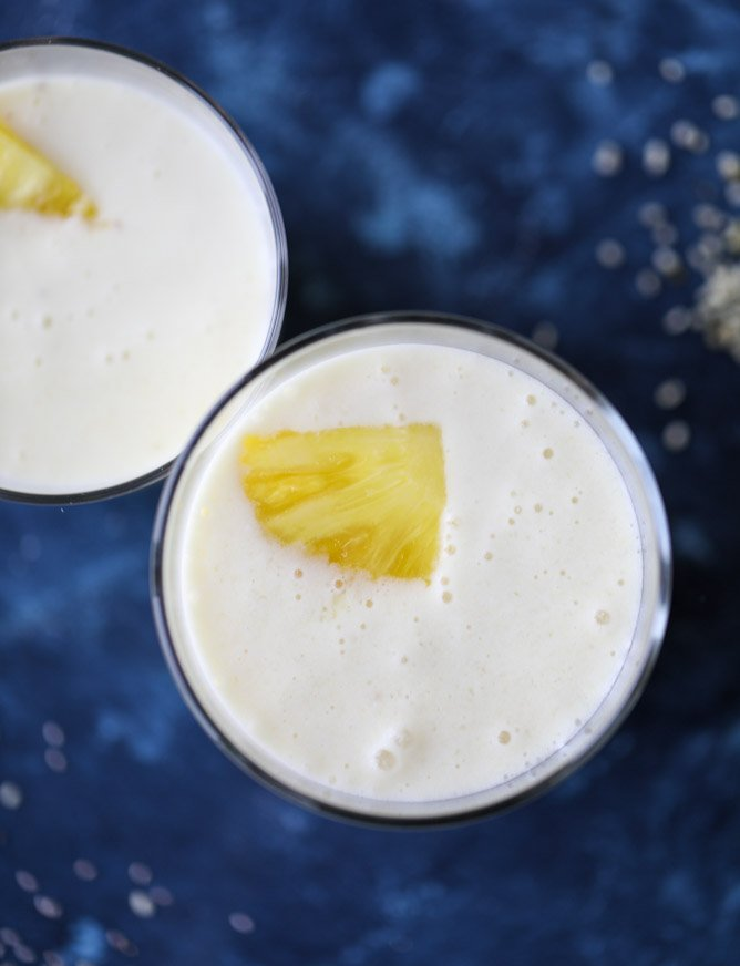 pineapple ginger smoothie I howsweeteats.com