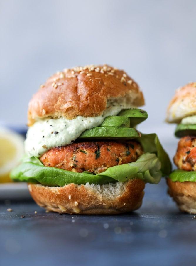 green goddess salmon burgers I howsweeteats.com