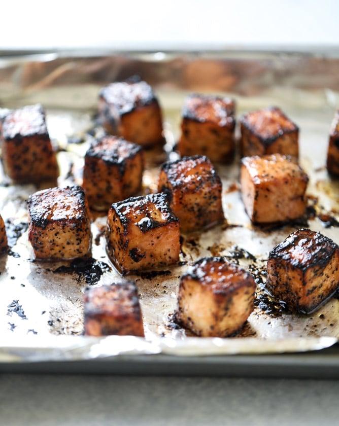 blackened salmon caprese skewers I howsweeteats.com