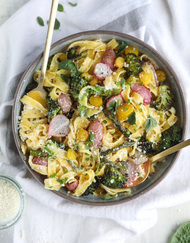 roasted spring vegetable and goat cheese fettuccine I howsweeteats.com