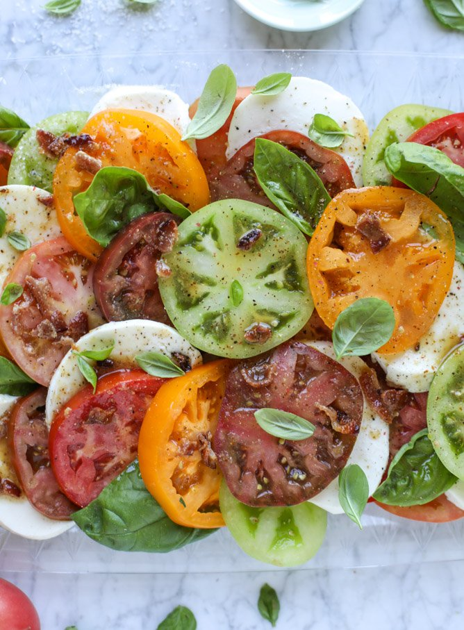 hot bacon caprese salad I howsweeteats.com