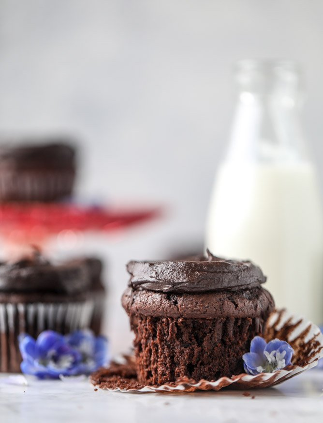 chocolate zucchini cupcakes with avocado frosting I howsweeteats.com