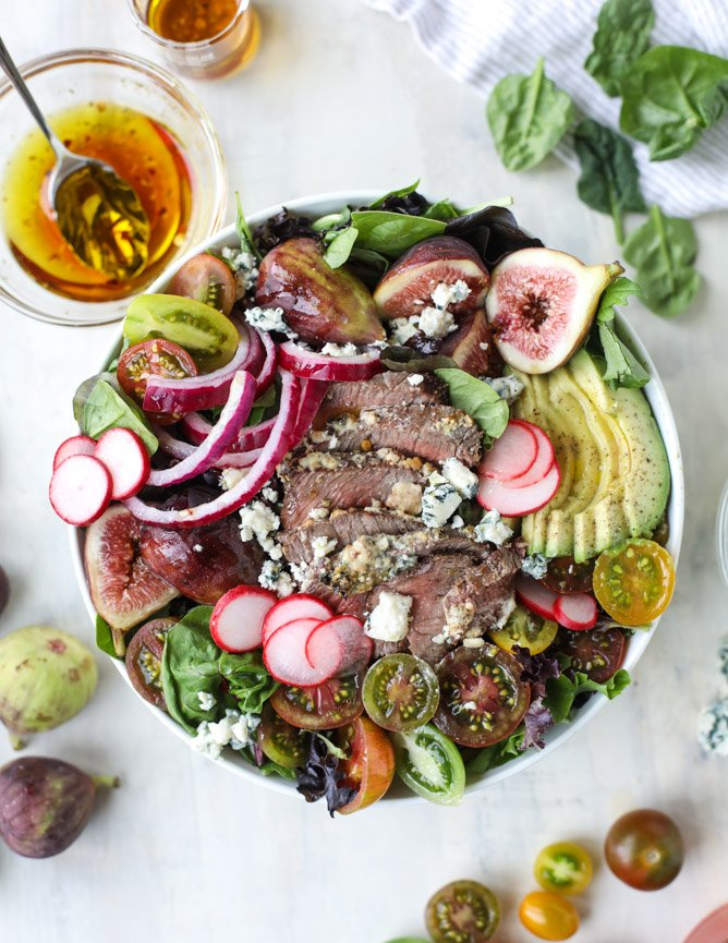 gorgonzola crusted steak salads I howsweeteats.com