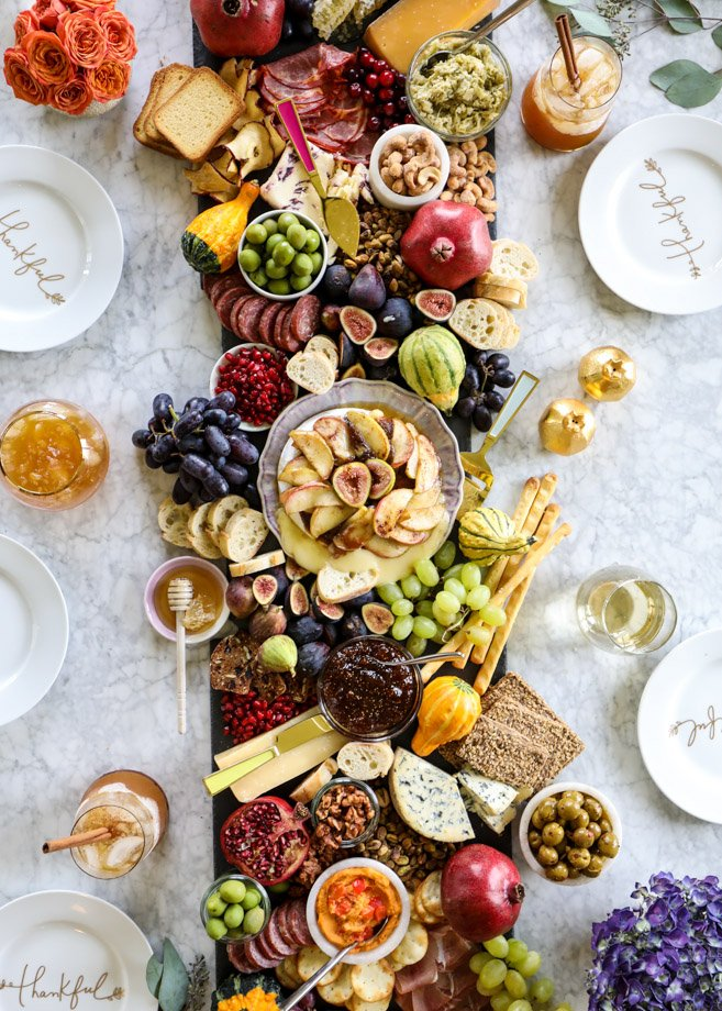 thanksgiving crostini bar with maple apple brie cheese I howsweeteats.com #thanksgiving #friendsgiving #cheese #appetizers #cocktails