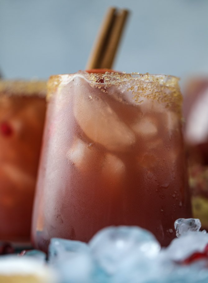 sparkling pomegranate cider punch I howsweeteats.com