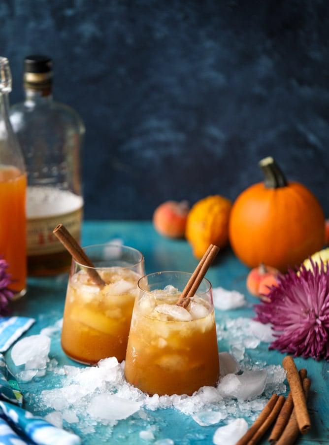 pumpkin pie bourbon smash I howsweeteats.com