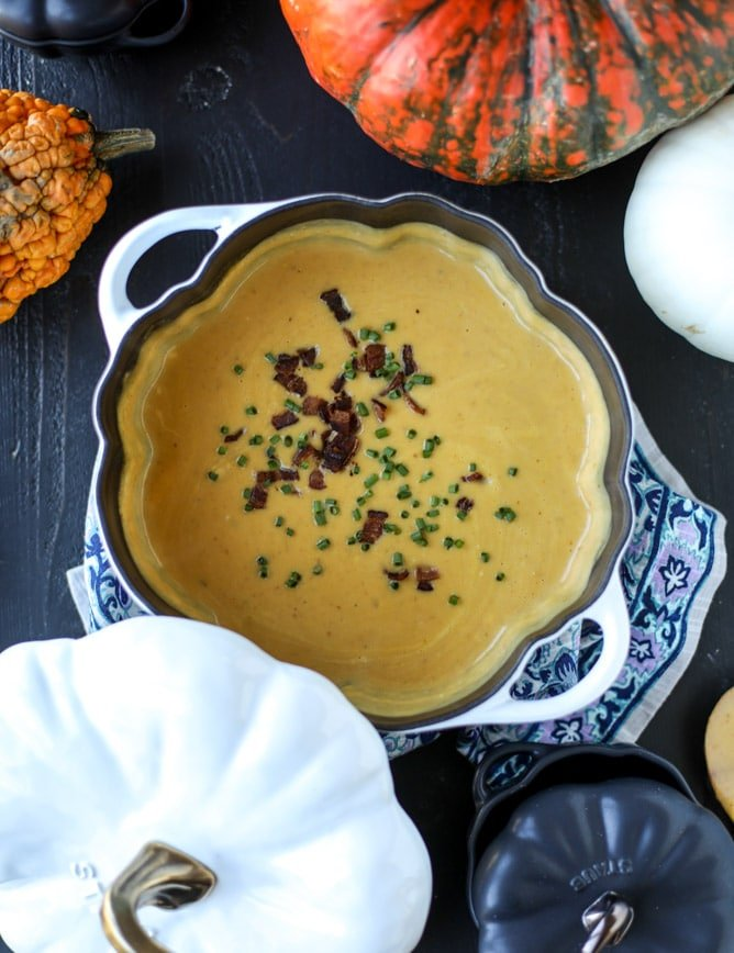 smoky pumpkin bisque with grilled cheese croutons I howsweeteats.com #pumpkin #soup #grilledcheese