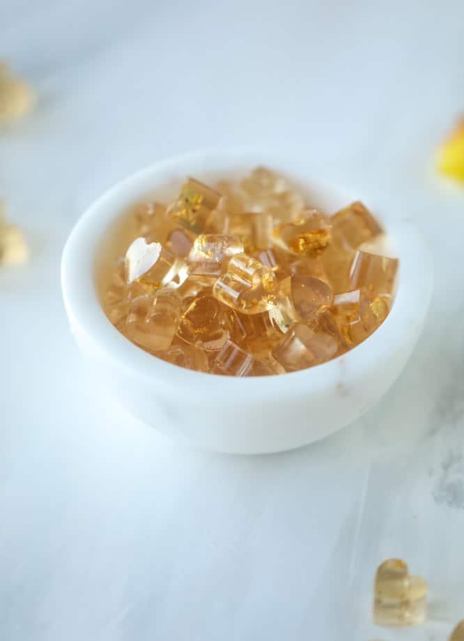 rosé champagne gummy bears I howsweeteats.com #gummybears #champagne #rosé #candy #homemade
